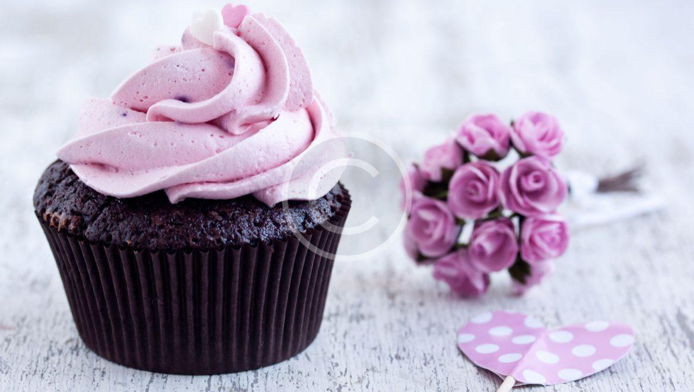 Wedding Cakes vs Cupcakes